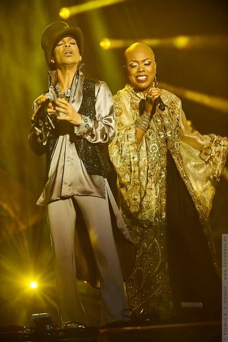 01-2011-07503 - Prince (US)