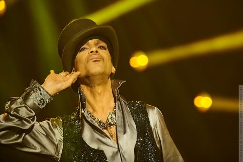 01-2011-07512 - Prince (US)