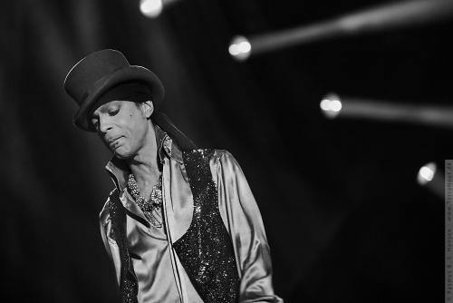 01-2011-07521 - Prince (US)