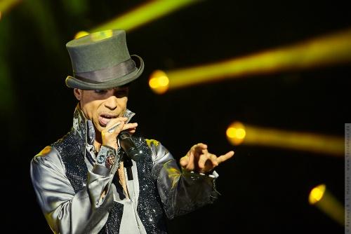 01-2011-07524 - Prince (US)