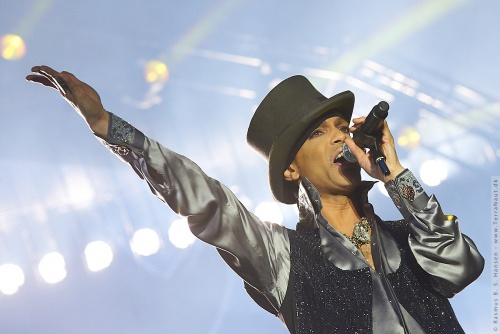 01-2011-07530 - Prince (US)