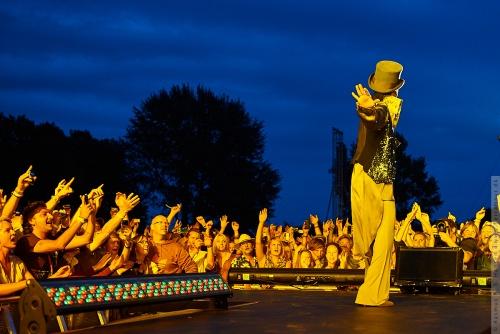 01-2011-07569 - Prince (US)