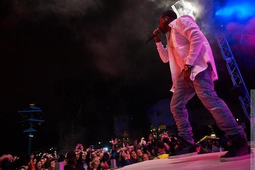 01-2011-07742 - Kanye West (US)
