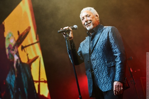 01-2019-02141 - Tom Jones (UK)