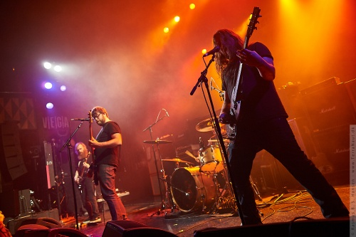 01-2012-00202 - Red Fang (US)